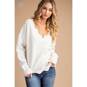 🆕 Ada Scalloped Edge Sweater - Cream